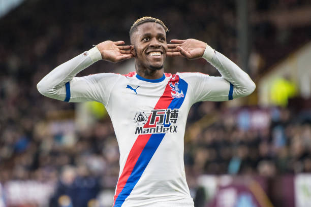 wilfried-zaha-of-crystal-palace-celebrate-after-scoring-goal-during-picture-id1128368868