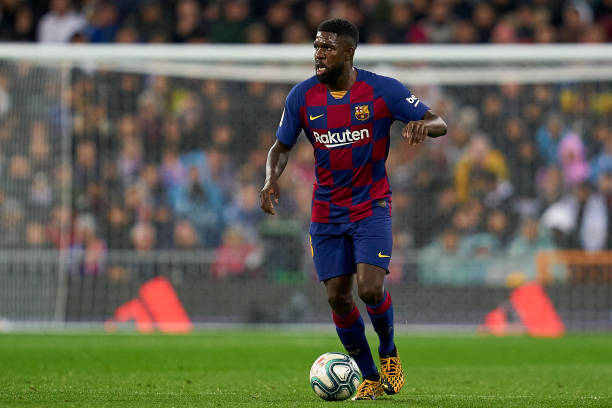 samuel-umtiti-of-fc-barcelona-runs-with-the-ball-during-the-liga-picture-id1209984084