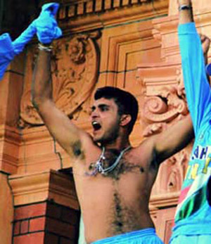 ganguly_shirt-off