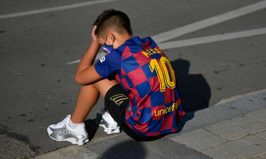 Messi-young-fan